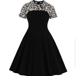 Dresses & Skirts - Pinup leopard dress